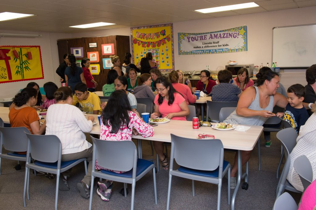 20160812_Lincoln_PTA_Welcome_Lunch_Teachers_2016_23